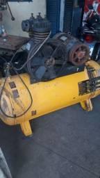 Compressor Trifásico