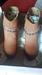 Vende essas botas r$ 60 cada número 35 Várzea da Palma Minas Gerais