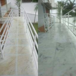 Polimento e limpeza de pisos