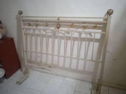 Cabeceira de cama de ferro