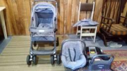 Carrinho de bebê com base para carro e bebê conforto