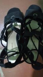 Sandalia salto alto preta nova