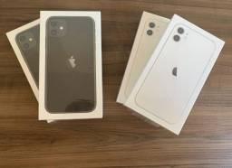 IPhone 11 128GB Branco / Preto