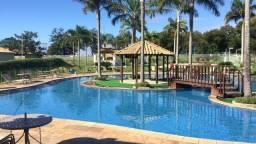 Título do anúncio: Casa em clube com academia e piscina