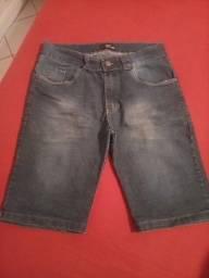 Título do anúncio: Roupas masculinas. ( bermudas e calça jeans ) diversas marcas ,veste m ou g