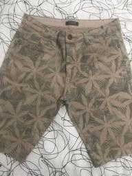 Título do anúncio: Bermuda Floral Jeans