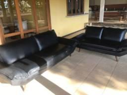Sofá em napa preto