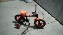 Vendo cadeirinha e uma bicicleta infantil