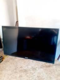 Tv Samsung com defeito p retirada de pçs