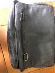 Vendo pouco usada pasta marca bagagio executiva em couro abufalado com 3 divisões