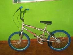 Bicicleta aro 20 bmx cromada