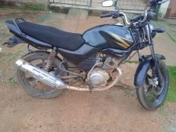 Vendo moto 2006