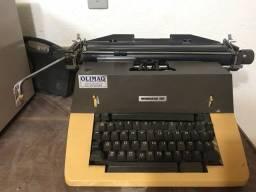 Vendo máquina de escrever REMINGTON 150