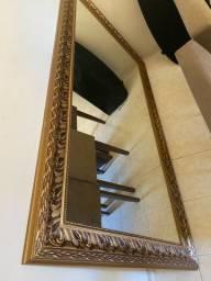 Vendo espelho novo ! Sem marca de uso !!!!!! Ideal para qualquer ambiente.