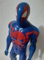 Boneco Homem Aranha 2099 Hasbro 30cm Titan Hero Series