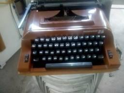 Máquina de Escrever boa.Leia a Descrição.