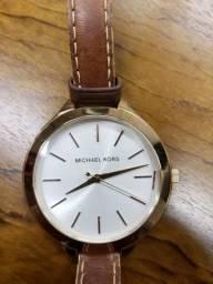 197e00e10fe Relógio Feminino Michael Kors Modelo MK2284 Pulseira em Couro   A prova d   água