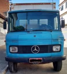 MB 608 D baú 1980