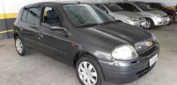 Renault Clio 1.0 4portas - 2002