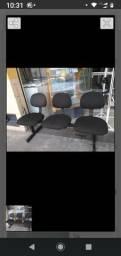 Cadeiras longarinas