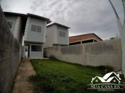 Bela Casa Triplex 2 Quartos com Enorme área externa para espaço Gourmet