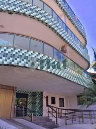 Apartamento à venda com 3 dormitórios cod:FLAP30200