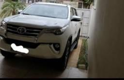 Toyota Hilux SW4 4×4 3.0,8V - 2017