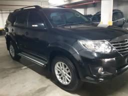 Toyota Hilux SW4 2014