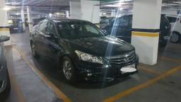 Honda Accord - Automático - 2.0 - 2012 - Preto