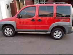 Fiat Doblô Adventure 1.8 2008 modelo 2009 -cor vermelha