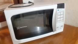 Micro-ondas Electrolux 20L - branco - 220v