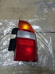 Lanterna traseira Tracker 2001 à 2009