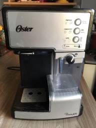 Cafeteira Expresso Automática Oster Primalatte em excelente estado!