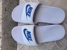Sandália Nike Semi nova