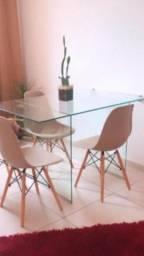 Título do anúncio: Mesa de vidro e cadeiras Eames semi novas !