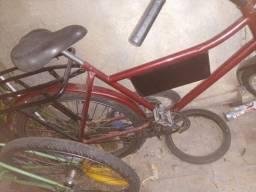 Bicicleta cargueira e uma aro 16