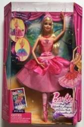 Boneca Barbie sapatilhas mágicas !!! Nova , nunca retirada da caixa !!