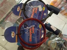 R$15 Cadeado de baike bicicleta novo com 2 chaves corrente proteção segurança antifurto