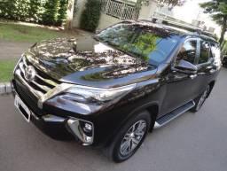 Toyota SW4 top de linha com 7 lugares, Kitcar veículos 35 anos
