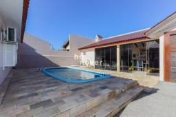 Casa com Piscina à Venda no Bairro Tomazetti - Santa Maria RS