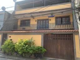 Título do anúncio: ótima casa em condomínio 2 qts amplos 2 salas 3 vagas em Anchieta - Rio de Janeiro - RJ