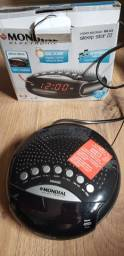 Radio relógio.