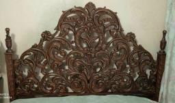 Título do anúncio: Cama estilo colonial (relíquia)
