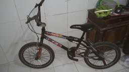 Bicicleta Caloi BMX , Aro 20. Só tenho essa