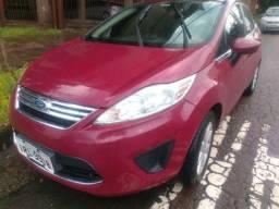 Título do anúncio: Lindo New Fiesta sedan motor 1.6 GNV