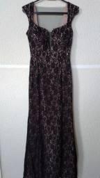 Vestido preto de renda Paete