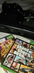 Xbox 360 500gb com 2 controles