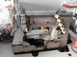 3 máquinas de costura por 2.500