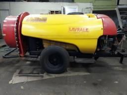 Pulverizador Lavrale 1.500 litros