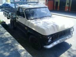 Caminhão D10 - 1984